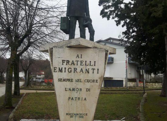Un monumento ai migranti